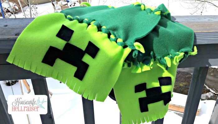 No Sew Fleece Minecraft Creeper Scarf