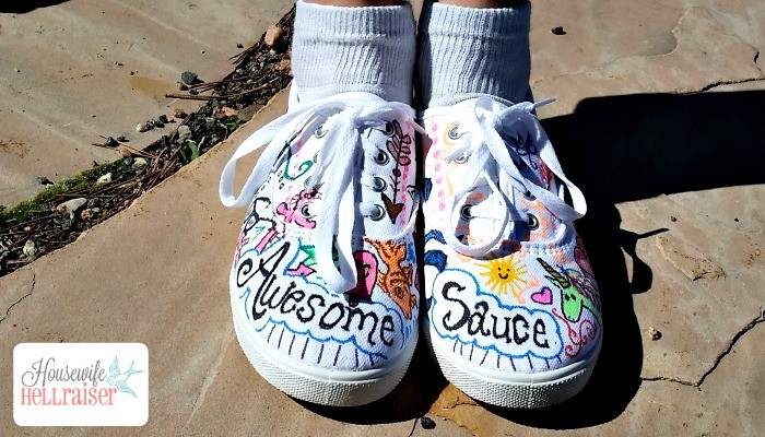 #TrickYourKicks Fabric Marker Sneakers!